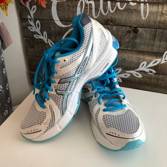 WOMEN'S ASICS RUNNING SHOES SIZE 7 12. NEW NWT